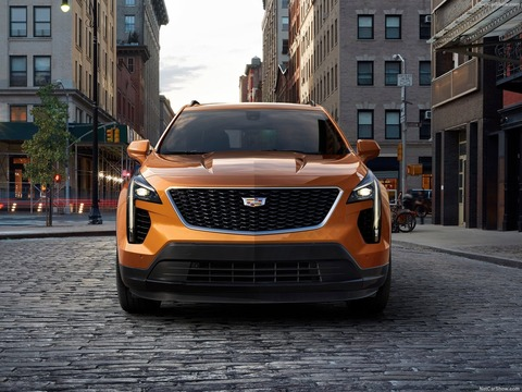 Cadillac-XT4-2019-1600-06