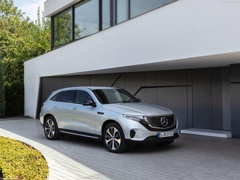 Mercedes-Benz-EQC-2020-1600-04