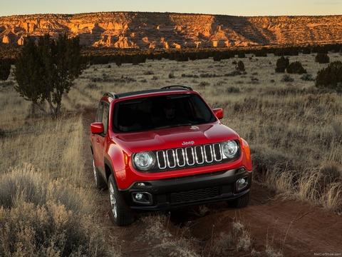 Jeep-Renegade-2015-1600-30