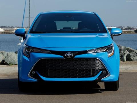 Toyota-Corolla_Hatchback-2019-1600-21