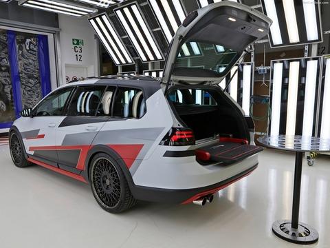 Volkswagen-Golf_Variant_TGI_GMotion_Concept-2018-1600-04