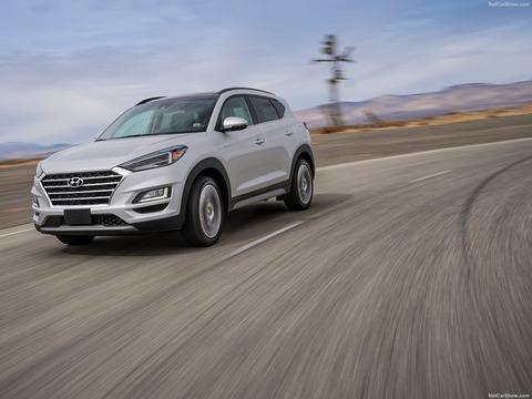 Hyundai-Tucson-2019-1600-0b