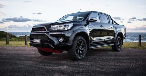 2017-Toyota-Hilux-TRD-hero-1