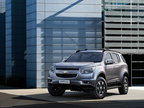 Chevrolet-Trailblazer-2013-1600-01