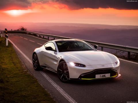 Aston_Martin-Vantage-2019-1600-04
