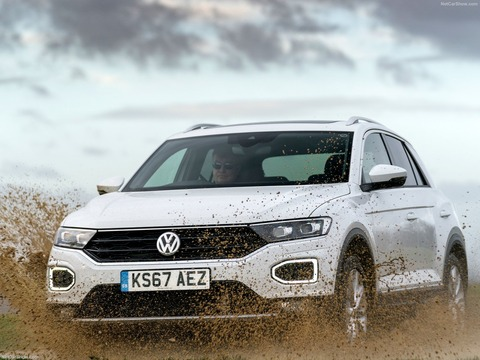 Volkswagen-T-Roc_UK-Version-2018-1600-18