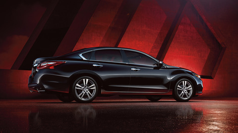 2018-nissan-altima-sedan-side-view-super-back-original