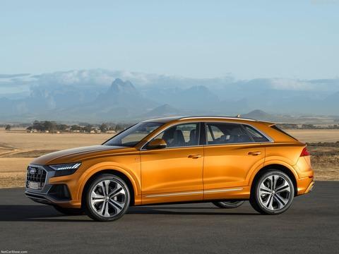 Audi-Q8-2019-1600-0a