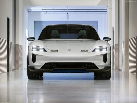 Porsche-Mission_E_Cross_Turismo_Concept-2018-1600-11