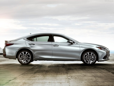 Lexus-ES-2019-1600-0f