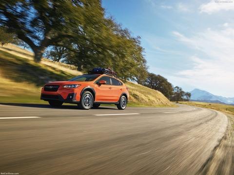 Subaru-Crosstrek-2018-1600-02