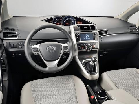 Toyota-Verso-2014-1600-26