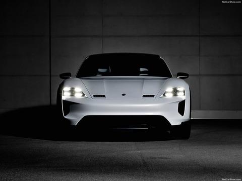 Porsche-Mission_E_Cross_Turismo_Concept-2018-1600-12