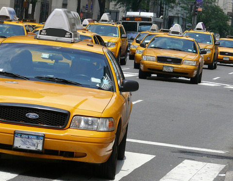1200px-Yellow_cabs_2
