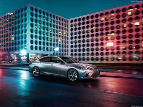 Lexus-ES-2019-1600-0b