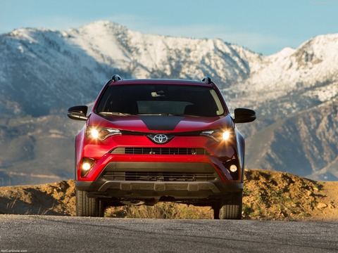 Toyota-RAV4_Adventure-2018-1600-07