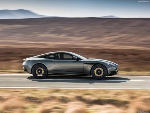 Aston_Martin-DB11_AMR-2019-1600-05