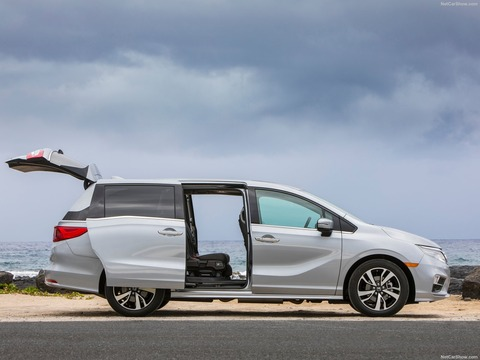 Honda-Odyssey-2018-1600-2f