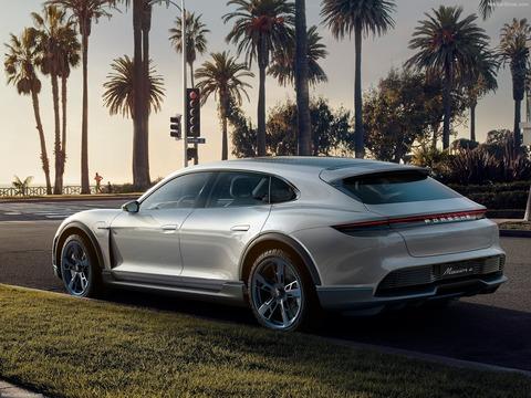 Porsche-Mission_E_Cross_Turismo_Concept-2018-1600-0e