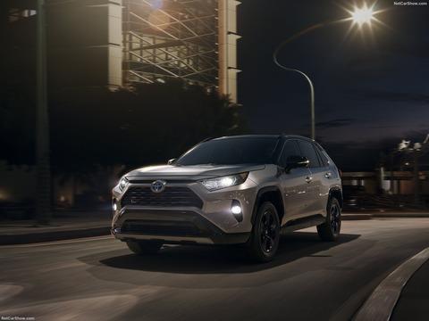 Toyota-RAV4-2019-1600-02