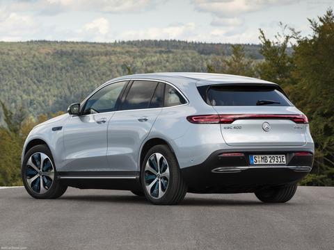 Mercedes-Benz-EQC-2020-1600-13