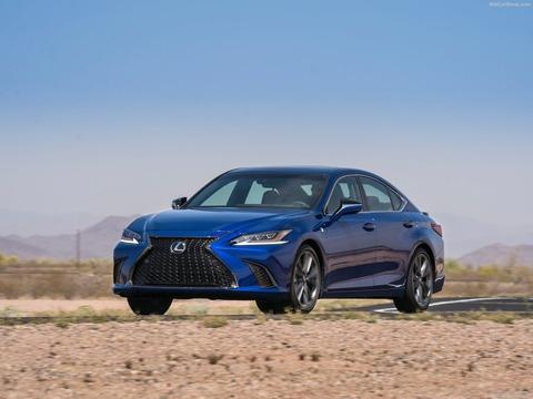 Lexus-ES-2019-1600-0d