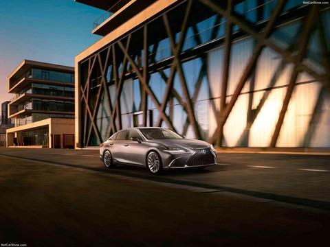 Lexus-ES-2019-1600-09
