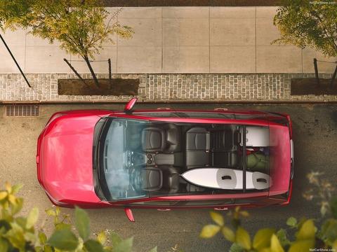 Toyota-RAV4-2019-1600-0a