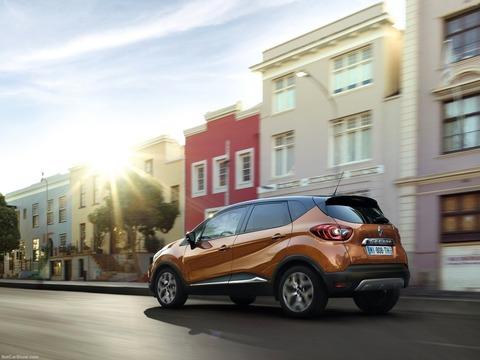Renault-Captur-2018-1600-33