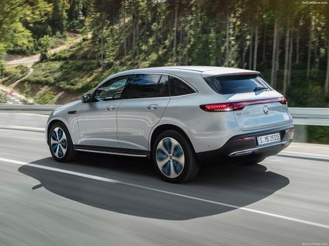 Mercedes-Benz-EQC-2020-1600-18