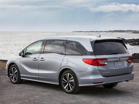 Honda-Odyssey-2018-1600-3b