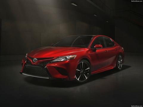 Toyota-Camry-2018-1600-15