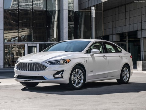 Ford-Fusion-2019-1600-01