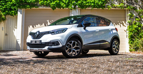 2017-Renault-Captur-Intens-hero-1