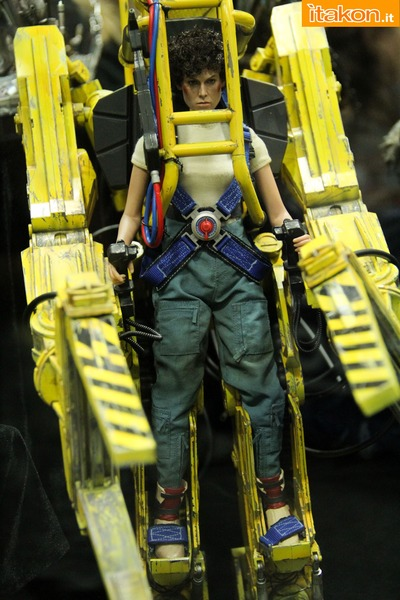 sdcc2014-hot-toys-booth-47