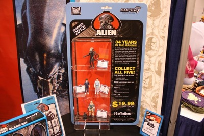 Alien-Kenner-action-figures-super7-1-600x400