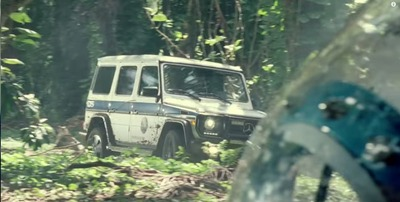 Mercedes-Benz-G-Class-4x4-Jurassic-World-2