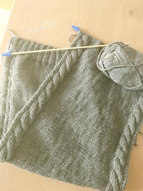 マフラー編み編み・・・