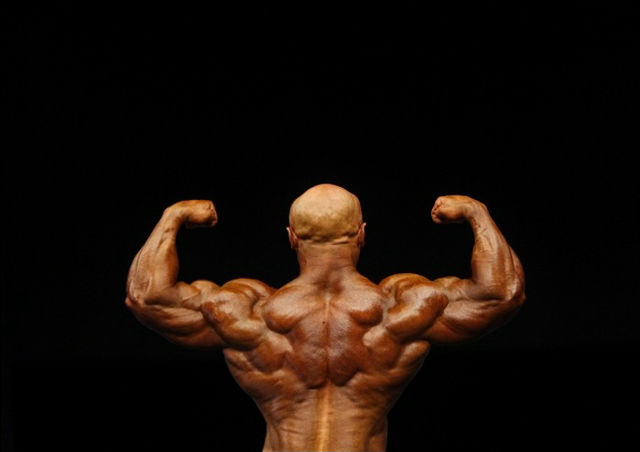 bodybuilders-freaks-or-superhumans_003