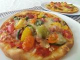 旬野菜のピザ