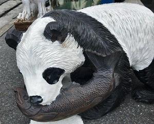 木彫りのパンダ2
