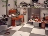 リラッペ企画ブース内中央から左にかけての展示品類