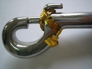 鉄線入りビニル紐で固定する場合