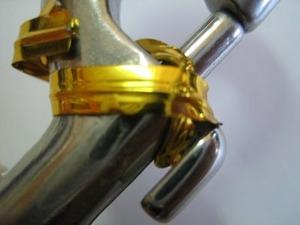 鉄線入りビニル紐での固定表側から