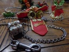 繋留用チェーンとクリスマス飾り
