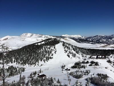 展望所から見た白根山