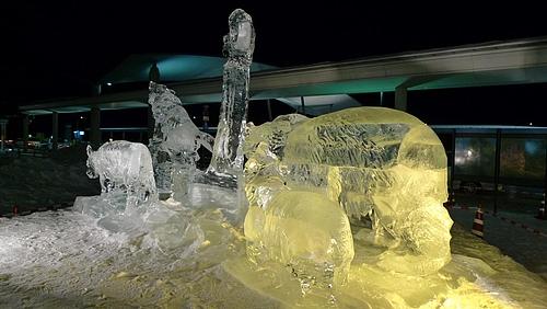 旭川空港にあった氷の何か