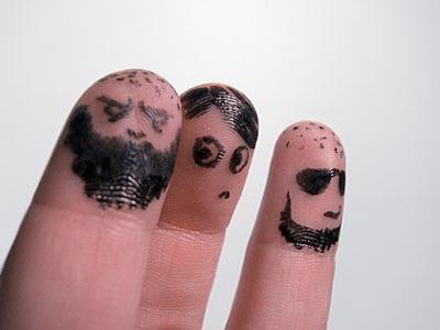 32-fingers-art