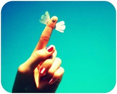 06-fingers-art