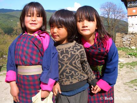 bhutan_girls